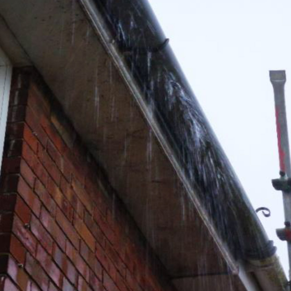 Leaky guttering causing penetrating damp